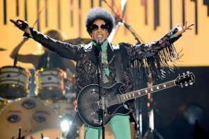 "Vidéo : Prince ""Let's Go Crazy-Frankenstein-FixUrLifeUp"" (Billboard Awards 2013)"