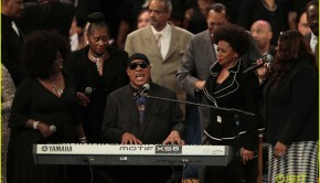 stevie-wonder-aretha-franklin-funeral-01